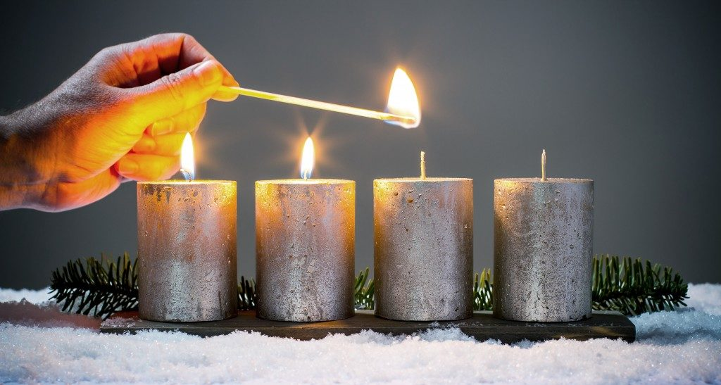 four advents candles with matches
